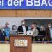 Karl-Dieter Ellerbracke wird geehrt am 03.09.2021 BBAG-Auktion in Iffezheim. Copyright by Marc Ruehl - Veroeffentlichung nur gegen Honorar (zzgl.MwSt), Namensnennung und Beleg, Bank Routing Number: BIC GENODED1PAF, Bank Account Number: IBAN DE04 3706 2600 1201 6180 17, Steuer-Nr.: 203/5266/0306, Ust_Id_Nr.: De 122081417, Zur Gaulshuette 29, 50181 Bedburg, Phone: +49-(0)2272-83351, www.marcruehl.com, info@marcruehl.com, No Model Release, Abtretung von Persoenlichkeitsrechten der abgebildeten Person/Personen liegen nicht vor. Speichern in Bilddatenbanken oder Vervielfaeltigung ist ohne schriftliche Genehmigung nicht gestattet.